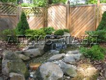 водоспад в саду